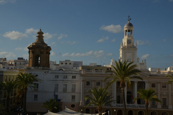 Plaza San Juan de Dios. Hier wohnen wir.