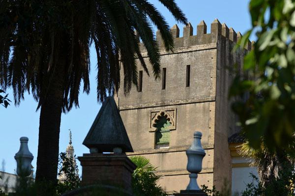 Ein Turm des Alkazar. Wegen der großen Warteschlange haben wir uns den Besuch in diesem Jahr erspart.