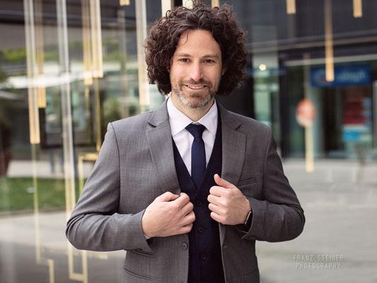 Foto von Markus Walz / Mann / Model / München / Anzug / Business / Krawatte