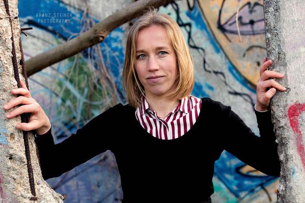Foto von Rosa Grunicke / Berlin / Schauspielerin / Graffiti