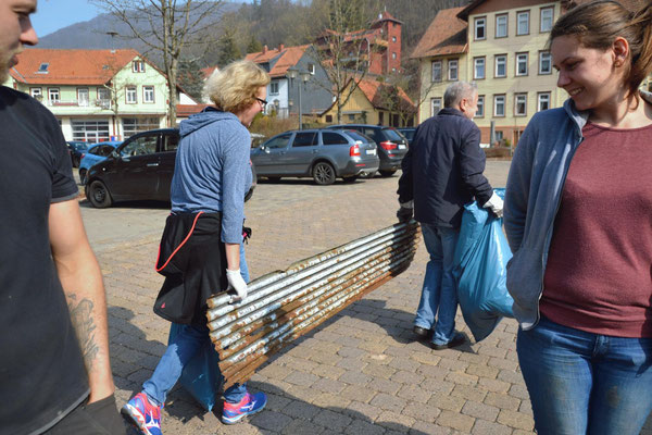 Frühjahrsputz in der Bergstadt Bad Grund (Foto: Lehmberg)