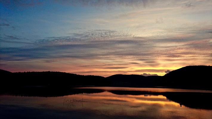 Sonnenuntergang über dem Edersee 2. Foto: Esther Knipschild