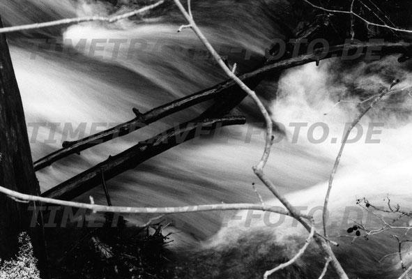 Die Mombeck führt viel Wasser. Foto: Esther Knipschild