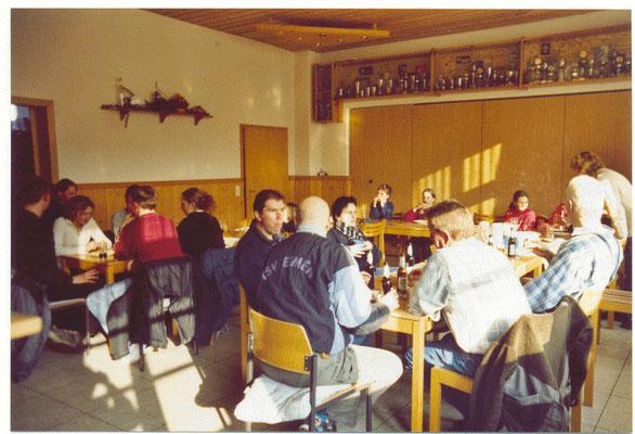 """Imbiss nach der """"Aktion Saubere Landschaft"""" 2003"""