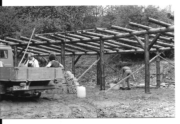 Bau der Grillhütte ca. 1983