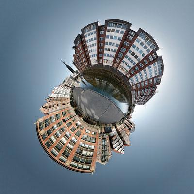 Deichstraße · 90 x 90 cm · Leinwand auf Keilrahmen: € 640,- ·  Aludibond: € 780,- ·  Acrylglas auf Aludibond: € 940,-  · © Stefan Korff