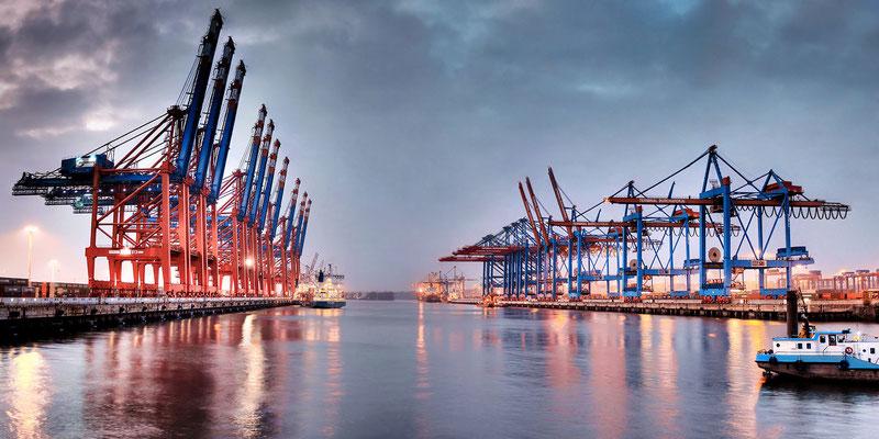 Containerterminal Waltershof · 180 x 90 cm · Leinwand auf Keilrahmen: € 1.260,- · Aludibond: € 1.590,- · Acrylglas auf Aludibond: € 1.890,-  · © Stefan Korff