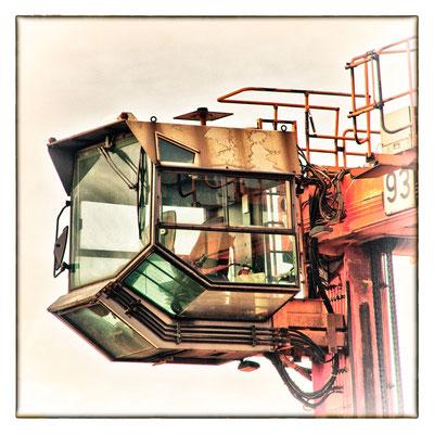 Hafen Impression 13a · 40 x 40 cm · Leinwand auf Keilrahmen: € 320,- ·  Aludibond: € 420,- ·  Acrylglas auf Aludibond: € 530,-