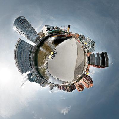 Museumshafen · 90 x 90 cm · Leinwand auf Keilrahmen: € 640,- ·  Aludibond: € 780,- ·  Acrylglas auf Aludibond: € 940,-  · © Stefan Korff