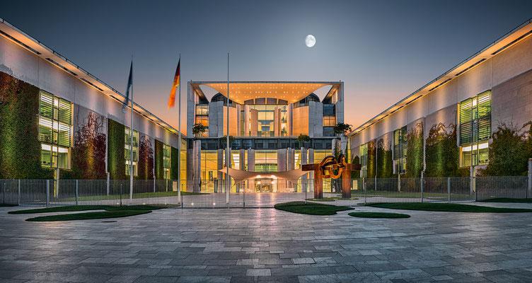 Bundestag, 150 cm x 80 cm  ·  Leinwand auf Keilrahmen: € 780,- · Aludibond: € 970,- ·Acrylglas auf Aludibond: € 1.170,-  · © Stefan Korff