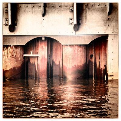 Hafen Impression 79 · 40 x 40 cm · Leinwand auf Keilrahmen: € 320,- ·  Aludibond: € 420,- ·  Acrylglas auf Aludibond: € 530,-