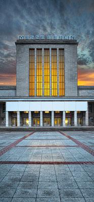 Messe Berlin, 60 x 130 cm  ·  Leinwand auf Keilrahmen: € 560,- · Aludibond: € 690,- ·Acrylglas auf Aludibond: € 830,-  · © Stefan Korff