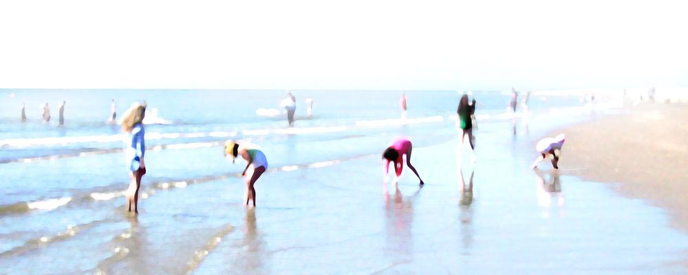 Strandgang 5  · 140 x 56 cm · Leinwand auf Keilrahmen: € 510,- · Aludibond: € 630,- ·  Acrylglas auf Aludibond: € 770,-   · © Karena Kanamüller