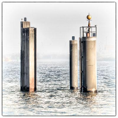 Hafen Impression 1 · 40 x 40 cm · Leinwand auf Keilrahmen: € 320,- ·  Aludibond: € 420,- ·  Acrylglas auf Aludibond: € 530,-