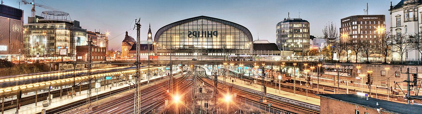 Hauptbahnhof I · 260 x 70 cm  · Leinwand auf Keilrahmen: € 1.290,- ·  Aludibond: € 1.690,- · Acrylglas auf Aludibond: € 2.070.-  · © Stefan Korff