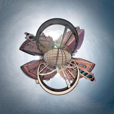 Speicherstadt · 90 x 90 cm · Leinwand auf Keilrahmen: € 640,- ·  Aludibond: € 780,- ·  Acrylglas auf Aludibond: € 940,-  · © Stefan Korff