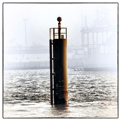 Hafen Impression 3 · 40 x 40 cm · Leinwand auf Keilrahmen: € 320,- ·  Aludibond: € 420,- ·  Acrylglas auf Aludibond: € 530,-