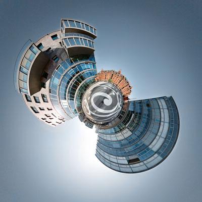 Neue Speicherstadt II · 90 x 90 cm · Leinwand auf Keilrahmen: € 640,- ·  Aludibond: € 780,- ·  Acrylglas auf Aludibond: € 940,-  · © Stefan Korff