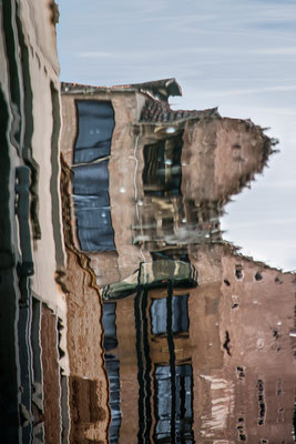 Venezianische Unterwelten X  ·  80 x 120 cm  ·   Preis auf Anfrage  ·  © Karena Kanamüller