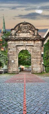 Tor des Marstalls, 65 x 150 cm  ·  Leinwand auf Keilrahmen: € 660,- · Aludibond: € 810,- ·Acrylglas auf Aludibond: € 980,-  · © Stefan Korff