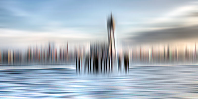 Containerhafen  · 180 x 90 cm  · Leinwand auf Keilrahmen: € 970,- ·  Aludibond: € 1.230,-  · Acrylglas auf Aludibond: € 1.490,-  · © Karena Kanamüller