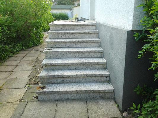 Thüster-Kalkstein Aussentreppe Nr.1 - vorher