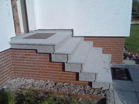 "Blockstufentreppe mit Granit ""Rosa-Beta"" Nr. 2 - nachher"