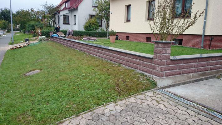 """Obolith-Klassik"" und Granit ""Impala"" Abdeckung - nachher"