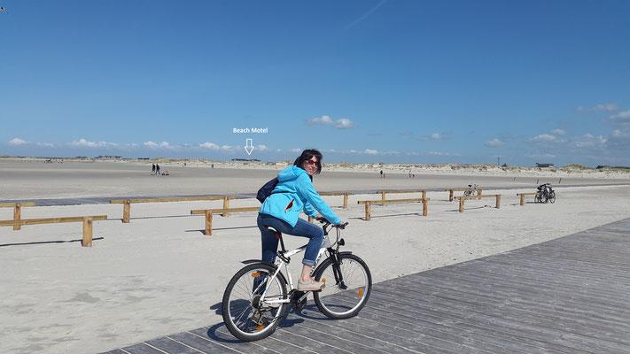 Mit dem Fahrrad zum Strand ist man flexibler unterwegs in St. Peter-Ording