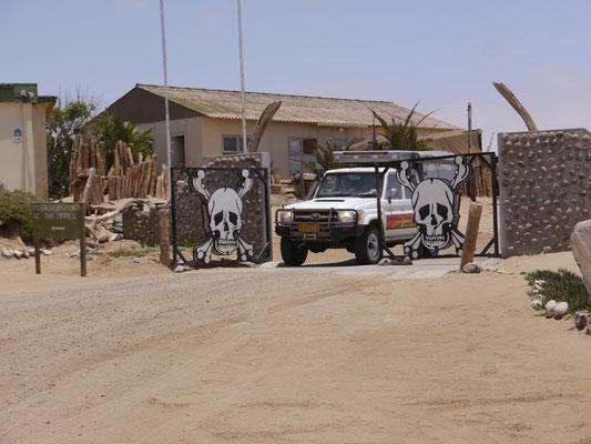 Einfahrt zur Skeleton Coast