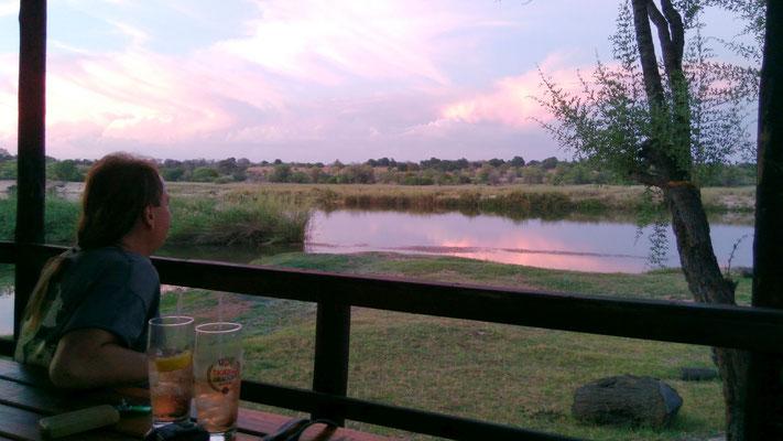 Sonnenuntergang mit Blick auf Angola