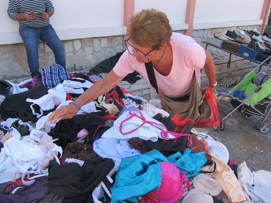 Dienstag: Markt in Zacharo .....und wir dabei