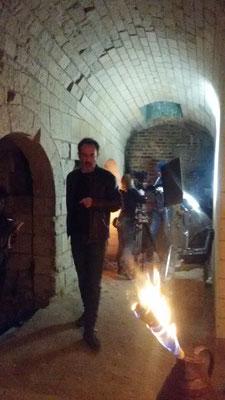 Château de Picquigny, Bruno Solo, la véritable guerre des trônes, tournage dans le souterrain