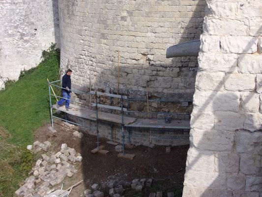Château de Picquigny, travaux base tour sud-ouest 2015