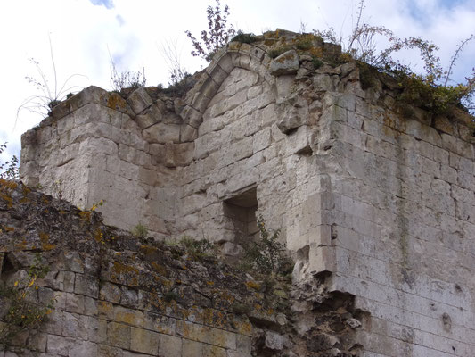 Château de Picquigny, détail du logis, ancienne voûte dans l'épaisseur du mur (5 m)  au second niveau. Photo Damien Maupin