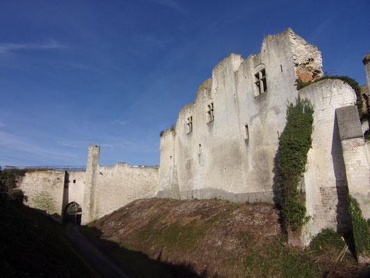 Château de Picquigny façade sud de puis la rue des rossignols