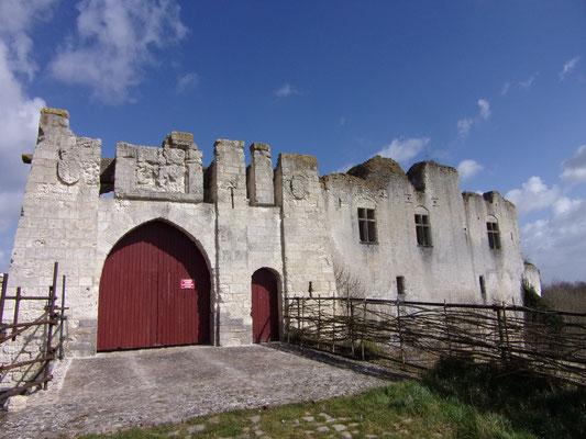 Château de Picquigny portes de la barbacane sud. Photo Damien Maupin