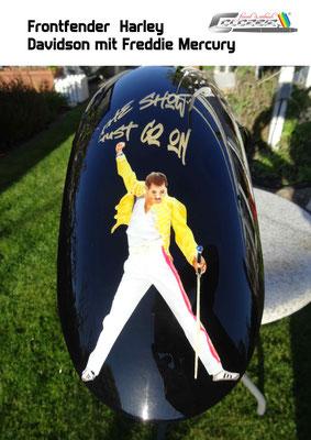 Frontfender Freddie Mercury  The Show must go on
