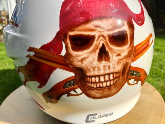 Schubert Helm 4 C PRO mit Skulllackierung