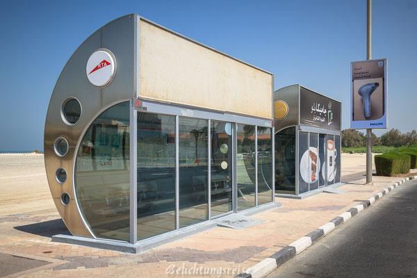 Vollklimatisierte Busshaltestelle