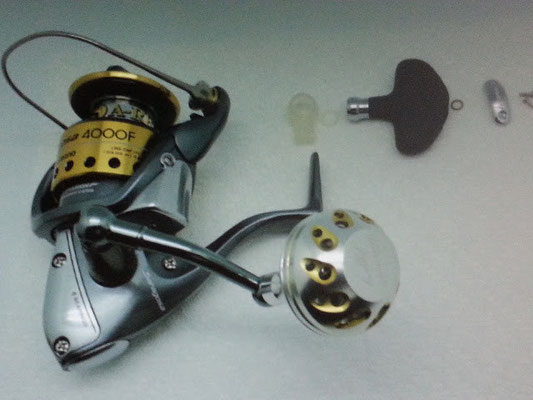 Shimano Saragosa 4000F (old) & Ultimate Jigging 40mm Reel Knob (S Cup)