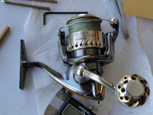 Shimano Stella 3000 FB w/ Ultimate Jigging 30mm Reel Knob