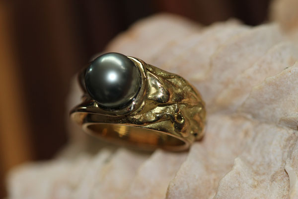 #ring #gold #tahitipearl #uniquepiece #artjewelery