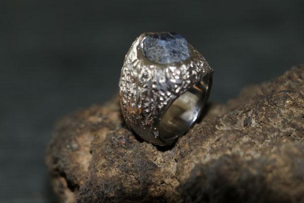 #titan#ring#saphirbrut #mensring #unique