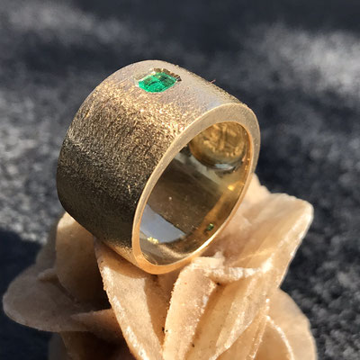 #ring #gold#emerald