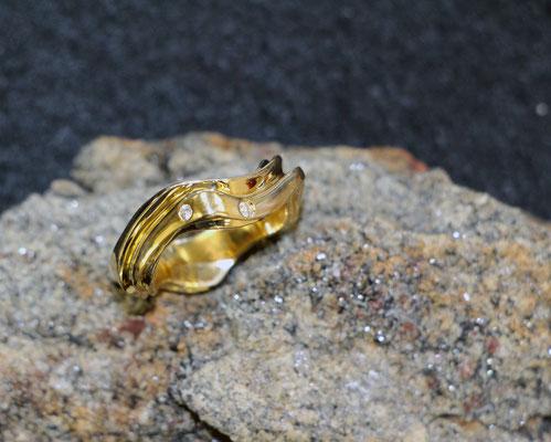 #ring #gold #diamonds #jewellery #artjewellery