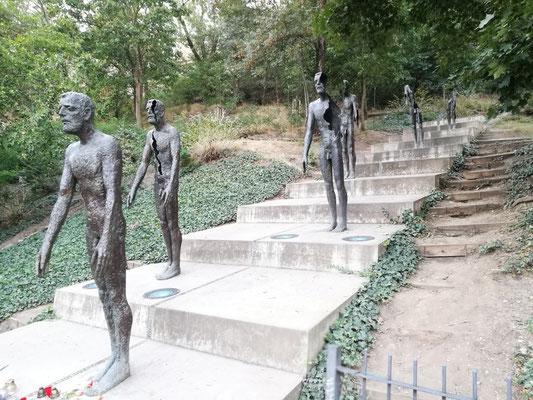 Statuengruppe in Gedenken an die Opfer des Kommunismus