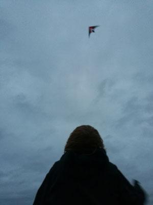 Auch am Abend fliegen die Drachen - und holländische Drachen sind der Hammer! Da geht richtig was!