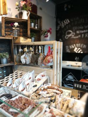 Ein toller Stand: Salami in allen erdenklichen Geschmacksrichtungen