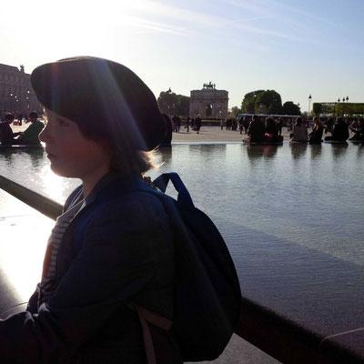 Abendsonne vor dem Louvre